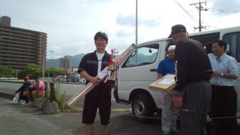 優勝おめでとう、日田のうるさいおじさん