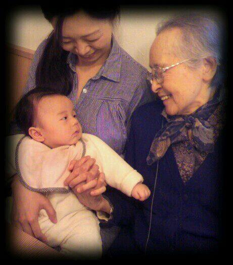 20120516ひいおばあちゃんと一緒に