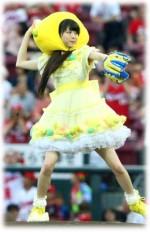 市川美織 レモン始球式