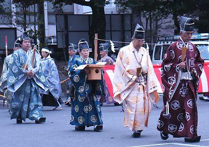 浅間神社奉射祭大的式-1