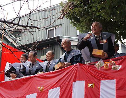 稲荷神社の節分祭-2