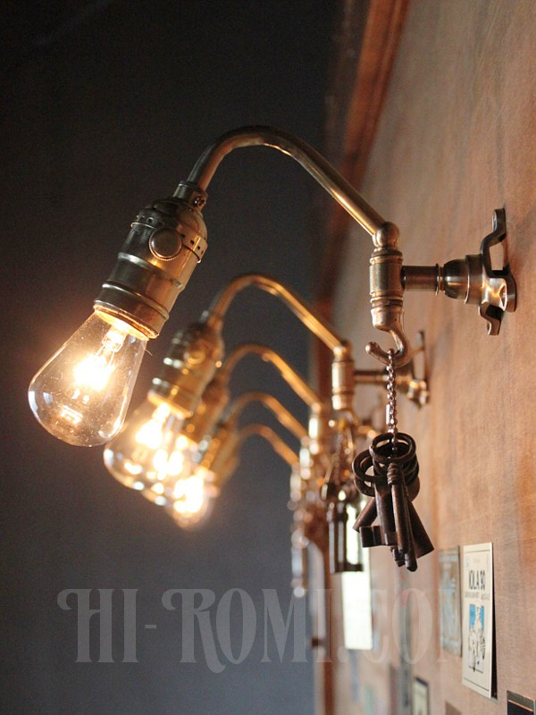 ヴィンテージ工業系フック付きターン式ソケット真鍮ブラケットA/アンティーク照明インダストリアルウォールランプ
