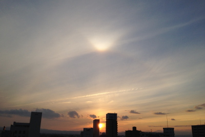 夕方の日暈(ハロ)