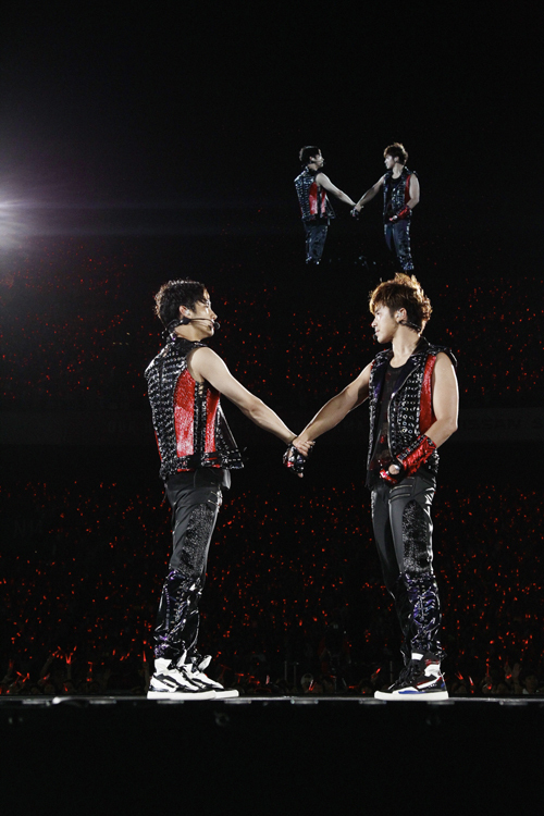 A lovely group, TVXQ no.2-握手