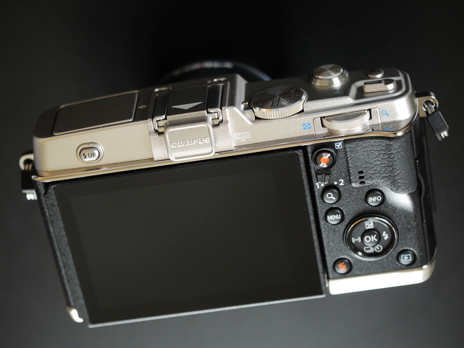 E-P5背面パネル