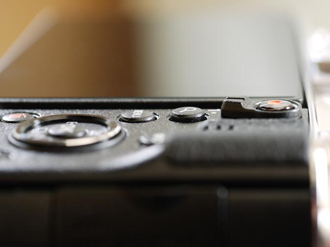 感触だけでボタンの種類が判別可能