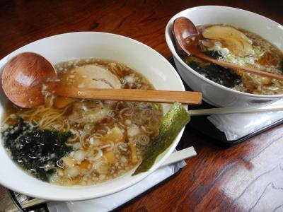 20130506いわむろや米粉麺と小麦麺
