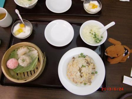 中華だよ、マロちゃん、食べなさい
