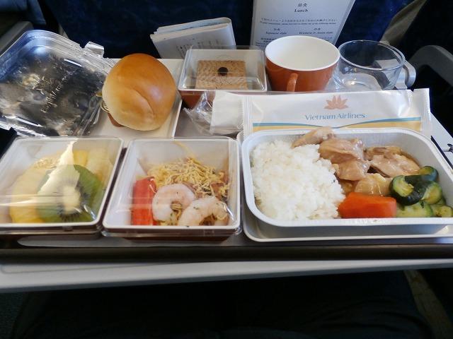 機内食P5030011
