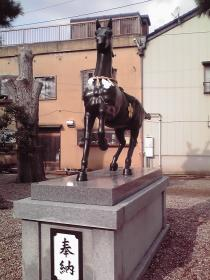 日宮神社の馬像