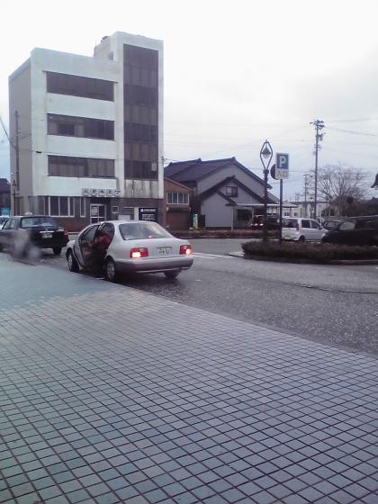氷見駅前広場