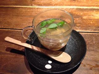 マツタケとアサリのスープ