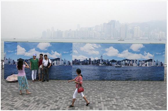 【適当すぎ】スモッグの影響を打開するために香港観光局がとった対策がお粗末すぎる件 | ロケットニュース24