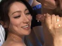 松本まりな チンポ大好き変態セレブ妻がM男達を濃厚ベロチュー手コキ責め!