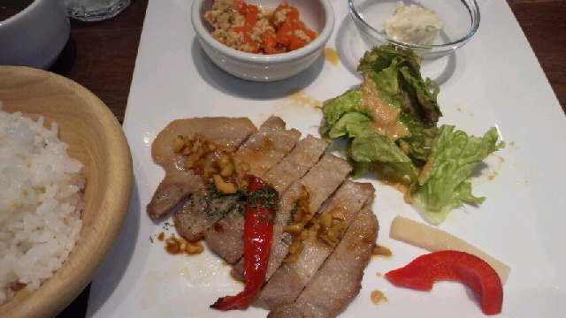 本日の肉定食(ポークソテー)