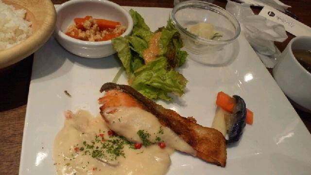 本日の魚定食(鮭の麹クリーム)