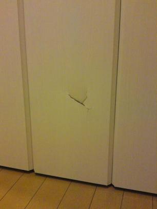 割れた折り戸