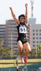 130428-5高校男子走り幅跳び_035