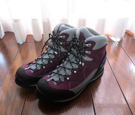 024登山靴