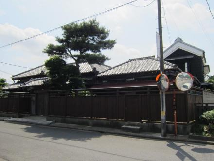 亀村本店向かいの住宅①
