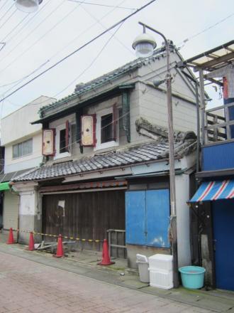 三崎1-15 蔵造り店舗①