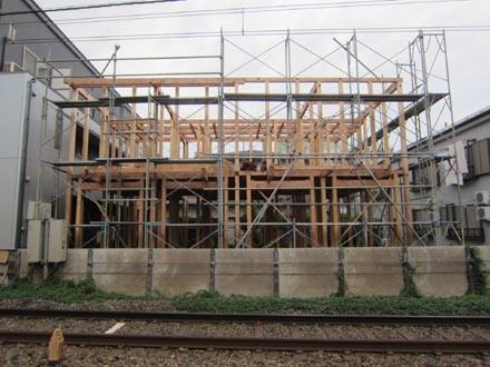 建築中断建物①