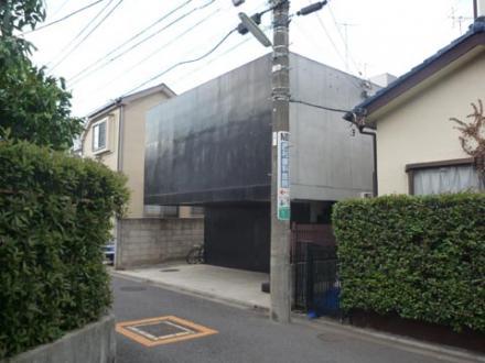 玄関のない 家③