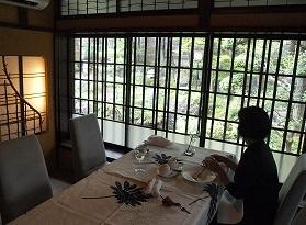 朝食は別の部屋2013506