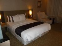 台中新幹線花園酒店のベッド131003