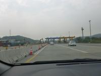 解体中の中山高速造橋收費站140104