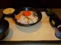 定食8の海鮮丼