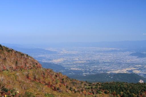 吾妻小富士から眺める福島市街・・かな