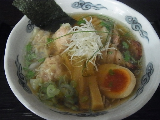 イカ煮干しワンタン麺