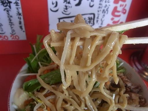 極太のストレート麺