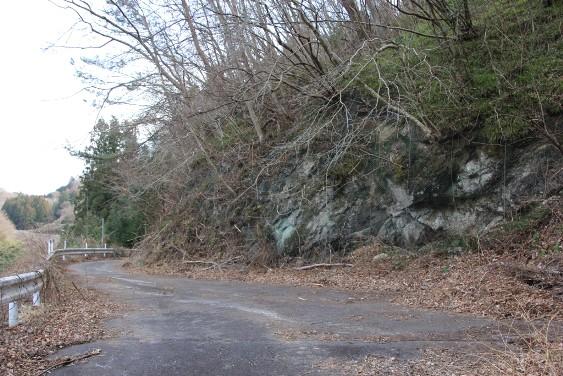 旧七曲がりの峠道