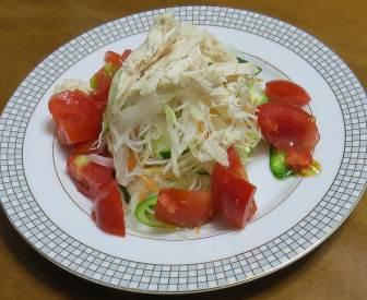 子供ピーマン入りサラダ(2)