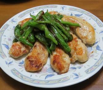 シシトウと鶏肉炒め