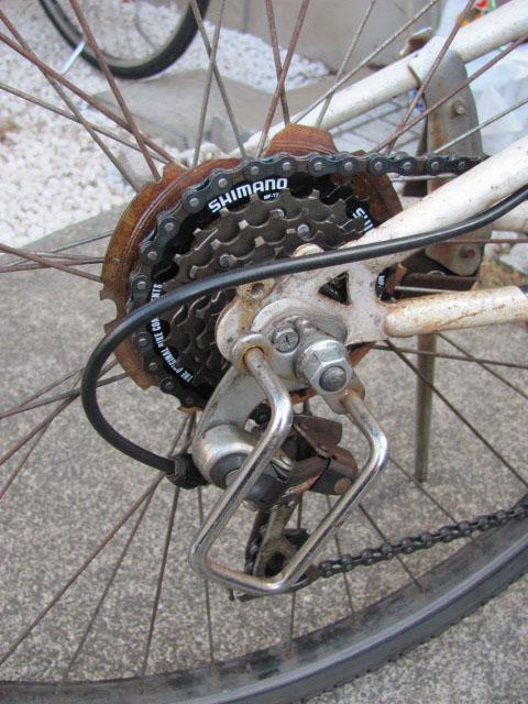 自転車の後ろ変速ギア