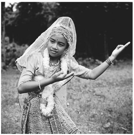 とある民族の少女(バングラディシュ)image