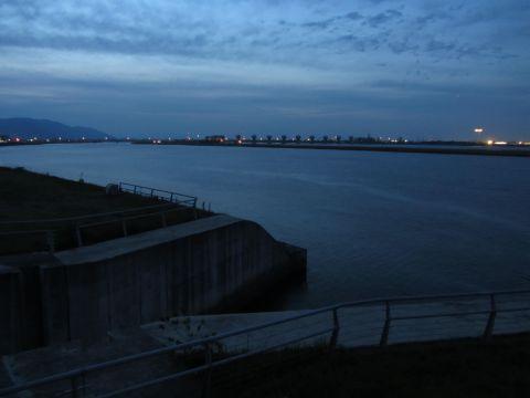 三之丸水門と揖斐川