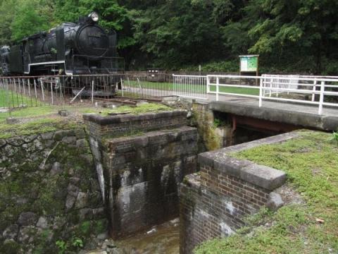旧神居古潭駅付近の橋台跡