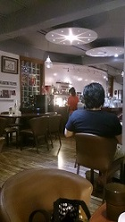 兄妹麵咖啡館2樓