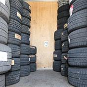 タイヤ保管庫