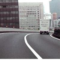 道路上の白線