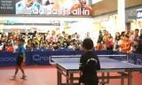 ショッピングモールの中で卓球大会!?