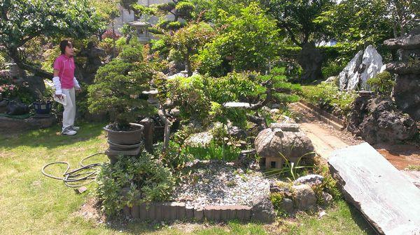 玄関前の庭石撤去前