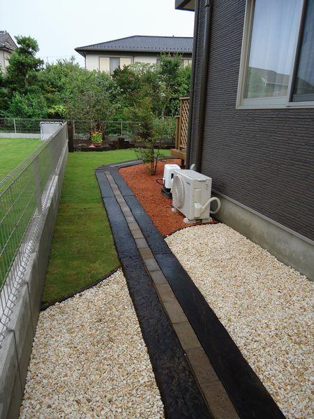 完了庭への入口・枕木