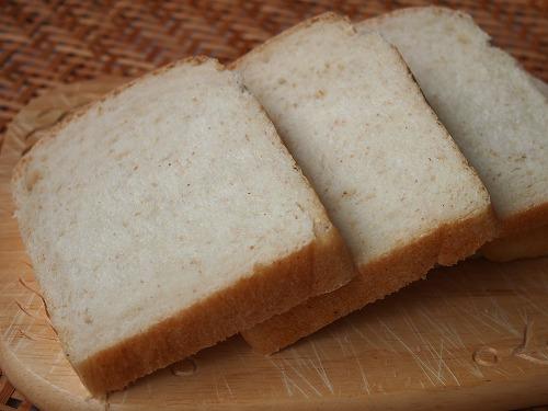 トーストブレッドとパンサラダ8