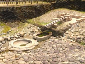亀形石像物1