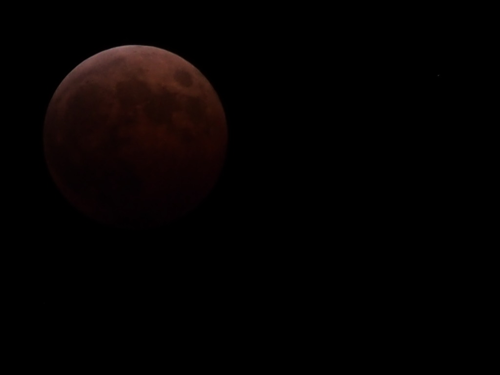 RedMoon_20141008-02.jpg